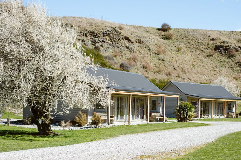 queenstown-wedding-venue-and-accommodation-kinross-cottages